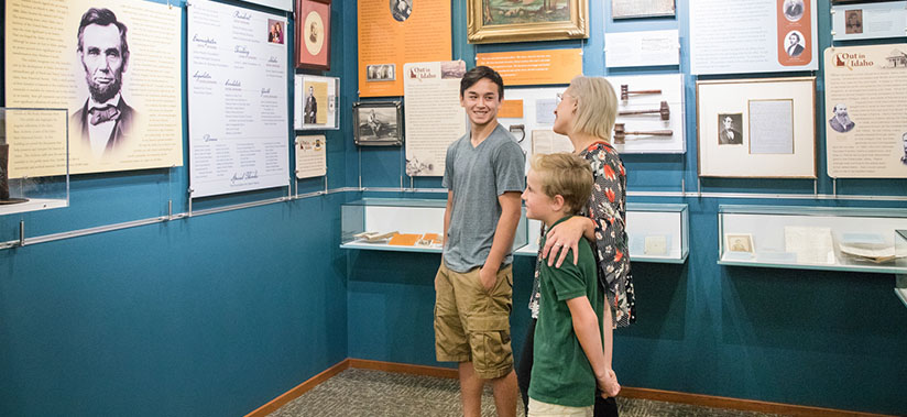 Lincoln Exhibit Family