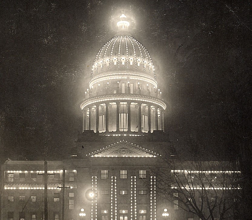 Photograph of the Idaho State Capitol building circa 1913.
